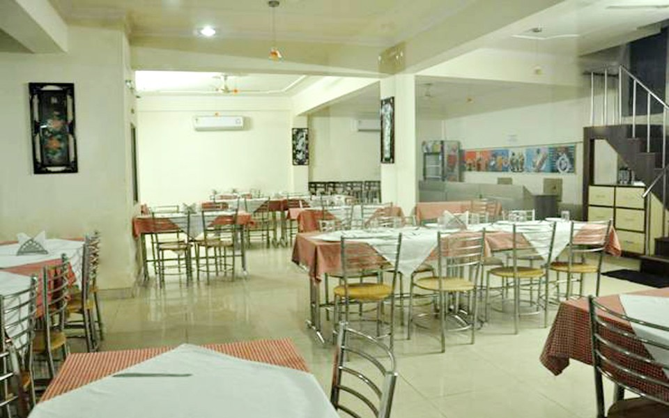 Daawat Palace Hotel Agra Restaurant