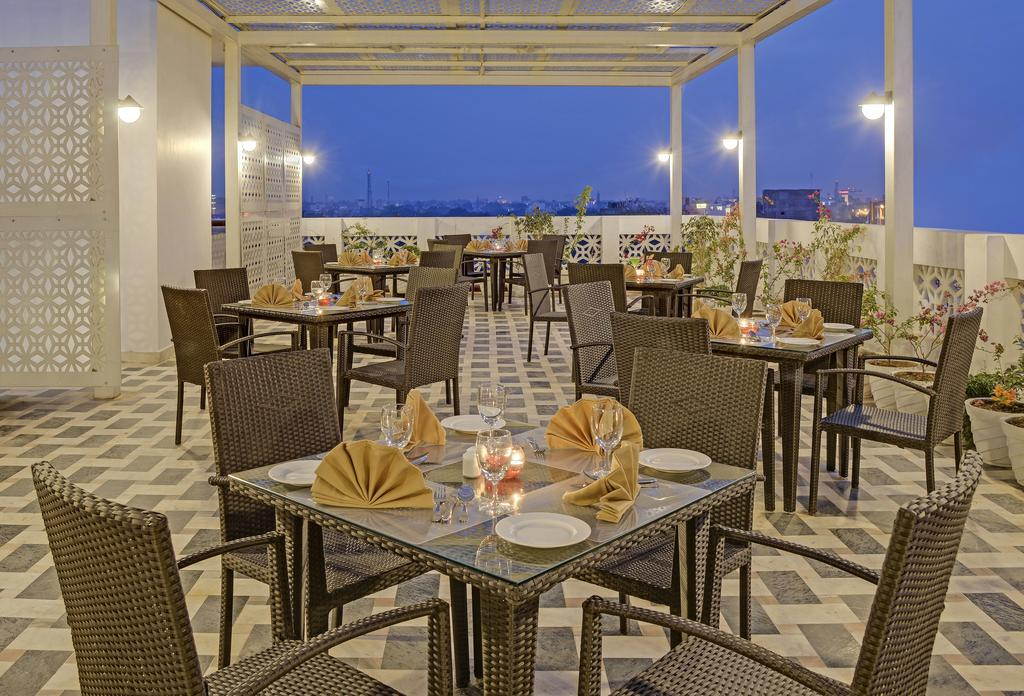 Regal Vista A Sterling Holidays Resort Agra Restaurant
