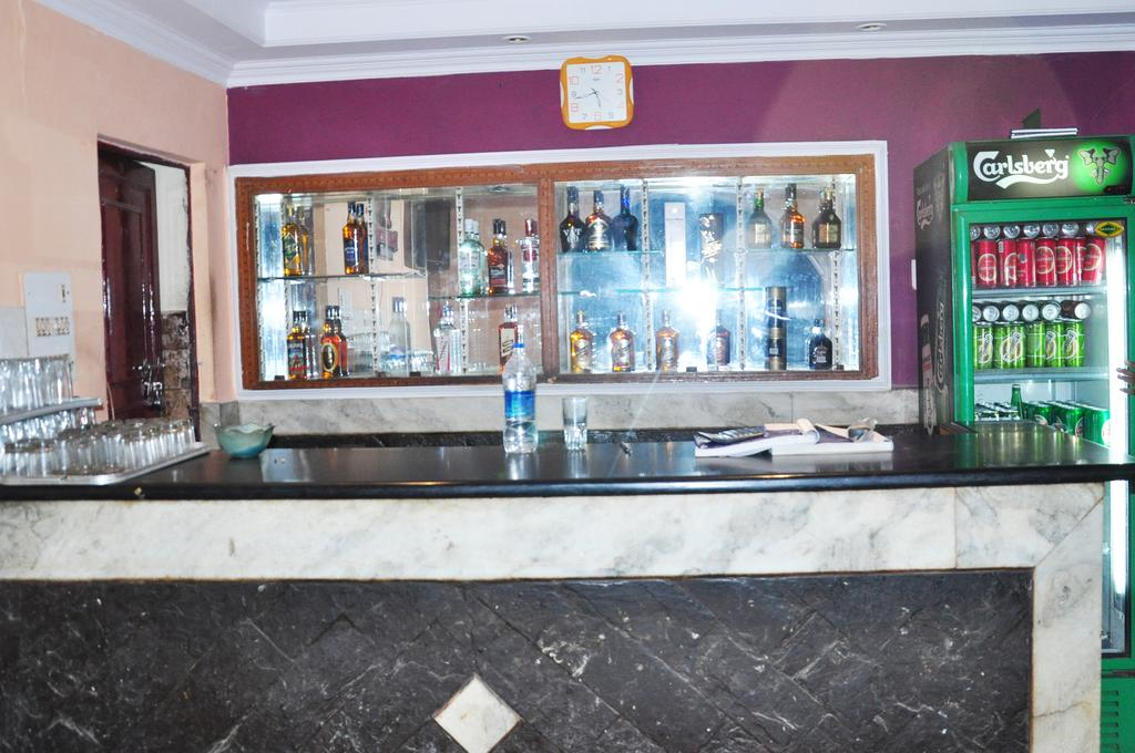 Tourist Bar And Restaurant Hotel Agra Restaurant