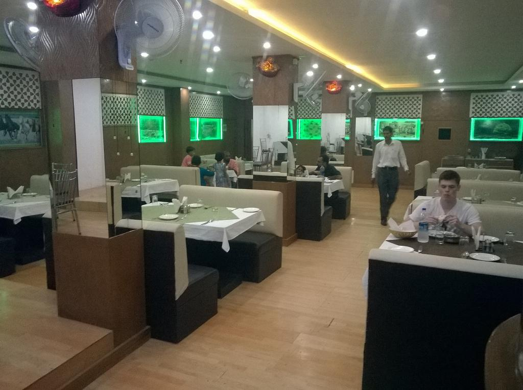 Pearl International Hotel Agra Rooms Rates Photos