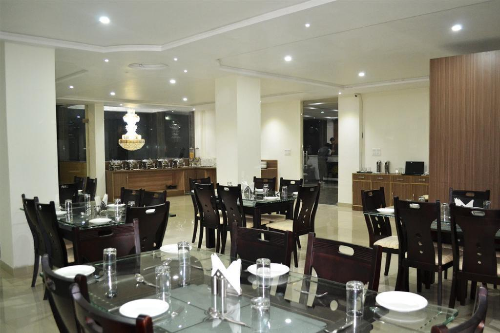 The Purple Orchid Hotel Agra Restaurant